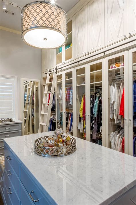 Above Closet Storage by 67 Reach In And Walk In Bedroom Closet Storage Systems