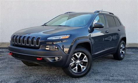 jeep grand cherokee rhino quick spin 2016 jeep cherokee trailhawk the daily drive