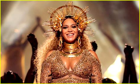 beyonce coachella who s replacing beyonce at coachella here s our dream