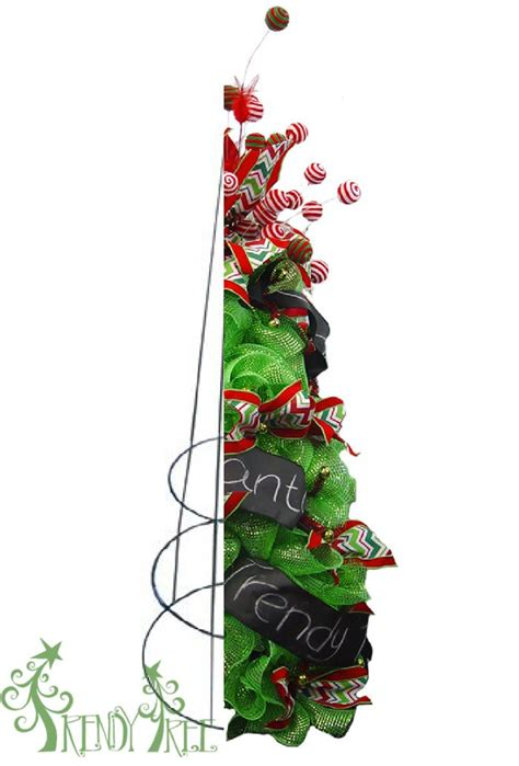 turn a tomato cage into a christmas tree tomato cages