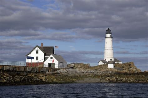 the modern light house service classic reprint books boston light america s turning 300 years