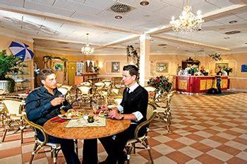 foyer restaurant essen und trinken in der kristall therme altenau im harz