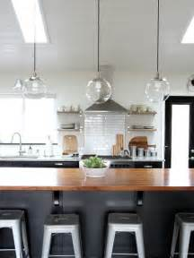 Lighting Kitchen Island by Best 25 Island Lighting Ideas On Pinterest Kitchen