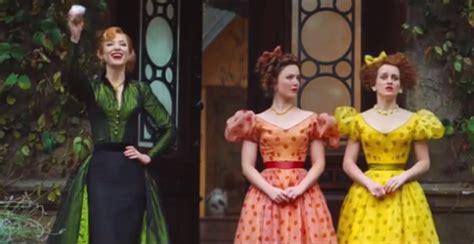 film cinderella versi baru review film cinderella 2015 klasik penuh nostalgia
