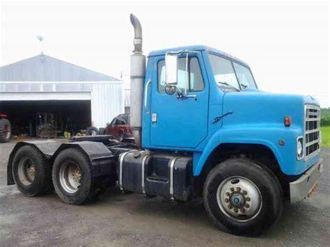 international semi truck international s2200 1986 daycab semi trucks