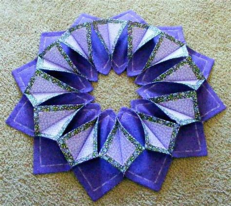 pattern for fabric wreath 17 best images about folded wreaths on pinterest fabric