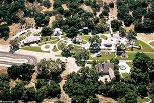 michael jackson neverland ranch is up for for 100m