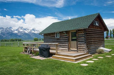 park cabin 85 home rentals yellowstone national park ditch