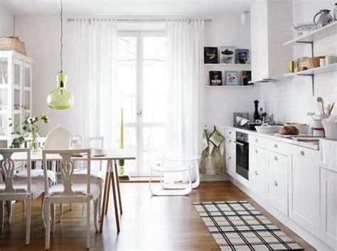 piccole arredate cucine e sale da pranzo ben arredate nelle foto di
