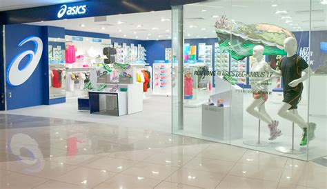 running shoe specialty store asics opens new running specialty store in suntec city