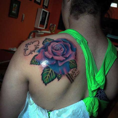 tattoo back left shoulder girl left back shoulder rose tattoo