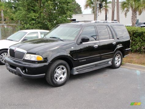 lincoln navigator back 2000 black clearcoat lincoln navigator 1529220 photo 4