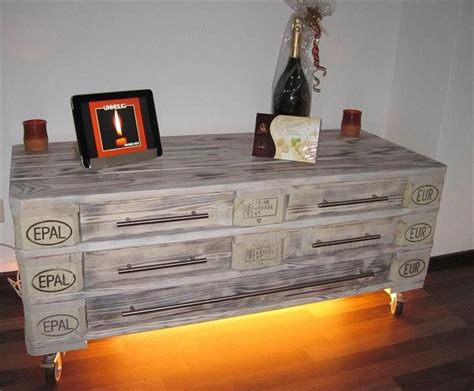 DIY 3 Euro Pallet Dresser with 5 Drawers
