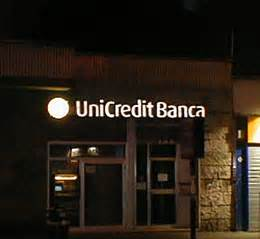 unicredit banca insegne luminose 3d
