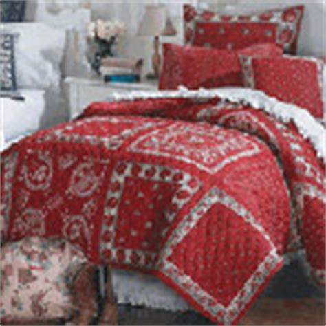 red bandana comforter zeedlebeez a different kind of hanky rag quilt