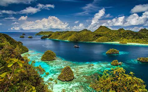 green wallpaper jakarta background ocean islands with green forest radzha ampat