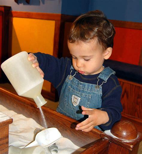 alimentazione bimbi 15 mesi bambino quindici mesi californiaautodetail