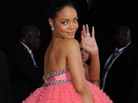 rihanna biography in spanish quiz which rihanna song is the soundtrack to your life