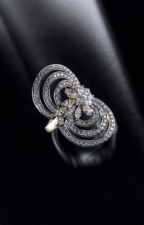 tanishq finger rings in silver white gold and