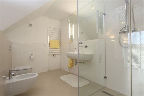 Attic Shower Rooms by 34 Attic Bathroom Ideas And Designs
