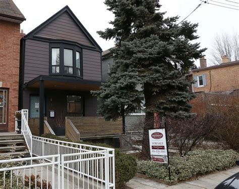 meghan markle house meghan markle s reported toronto home on the market for 1 4m abc news
