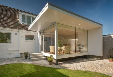 Contemporary Garden Room Built on a Strict Budget by