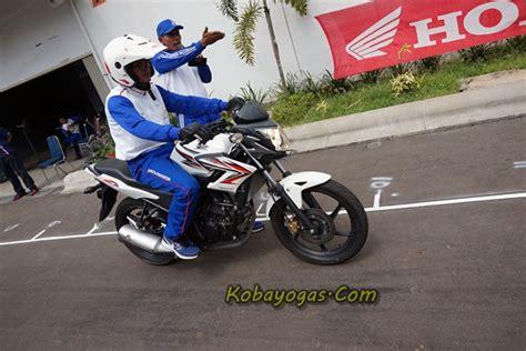 Promo Brembo Brake Pad Kas Rem Belakang Chev Captiva P 10004 S Mu foto safety rem kombinasi berhenti lebih cepat dan dekat kobayogas