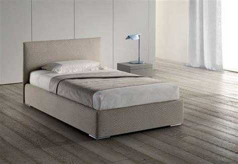 contenitori da letto letto contenitore una piazza e mezza letti una piazza e