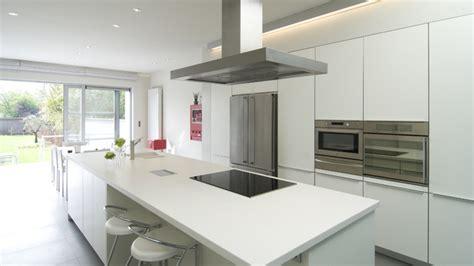 nieuwe keuken kopen en plaatsen keuken verbouwen tips en informatie over de kosten