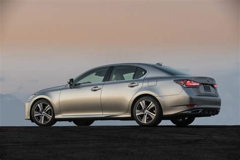 auto review lexus s four cylinder gs lacks brand s usual