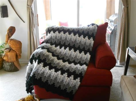amish crochet patterns breaking amish afghan different colors found the pattern
