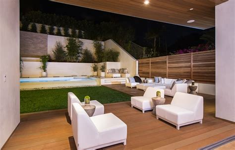 outdoor entertainment beach adjacent home with space for luxury entertaining