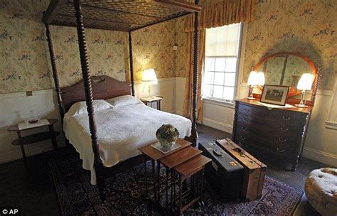 abraham lincoln house inside the house that abraham lincoln s son built robert todd s mans