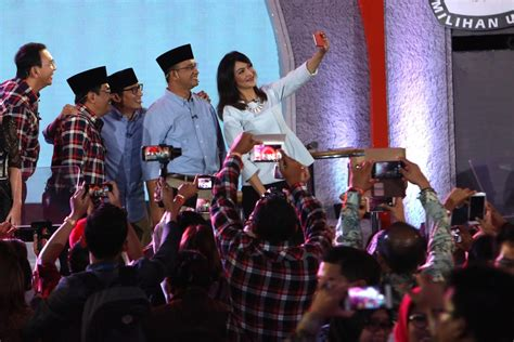 ahok election ahok sandiaga attend peace declaration ahead of election