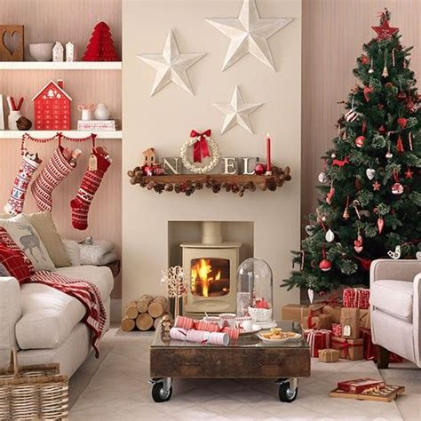 Christmas Room Decorating Ideas | best 25 christmas living rooms ideas on pinterest