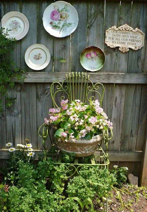 Outdoor Fence Decor by Top 23 Surprising Diy Ideas To Decorate Your Garden Fence Amazing Diy Interior Home Design