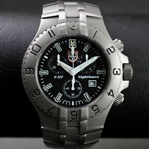 Luminox F117 Hawk Black luminox ルミノックス evo f117 titan 922