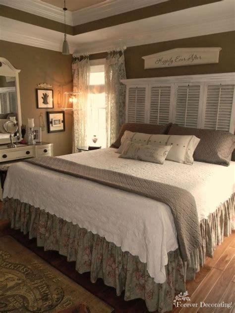 White Shutter Bedroom Furniture by 17 Best Ideas About Farmhouse Bedroom Decor On