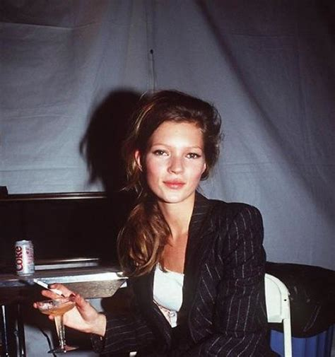 coke blowout hairstyle fashion flashback 90s supermodels sure knew how to