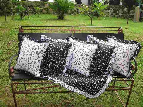 Bantal Sofa Bantal Angry sarung bantal sofa unik holidays oo