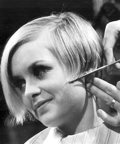 twiggy hairstyle 1960s beehive hairstyle which decade had the most