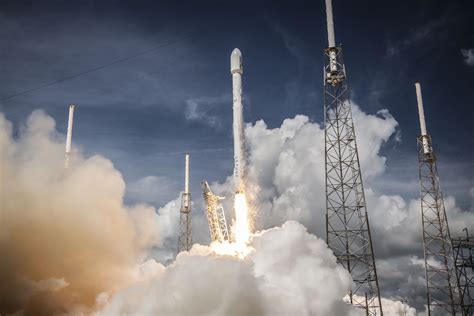 Spacex Background Check Spacex Widescreen Wallpaper 59808 3000x2000 Px
