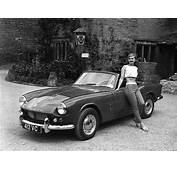 10 Best Vintage Roadsters For The Modern Gentleman