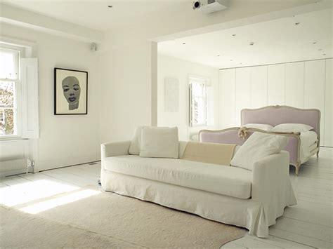 Cat Putih Danagloss White 0001 kesan klasik dengan interior bernuansa putih hiasanrumah