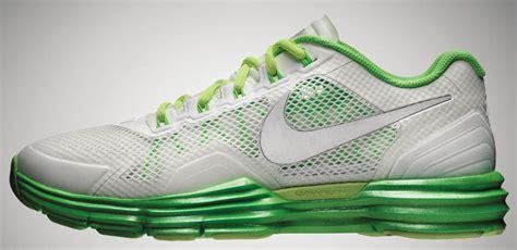 Sepatu Nike Flywire 3 0 3 apa perbedaan antara sepatu lari merk nike dan asics galena