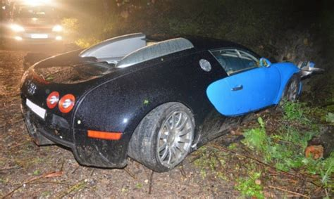 worst bugatti crashes bugatti veyron has a nasty crash in austria autoevolution