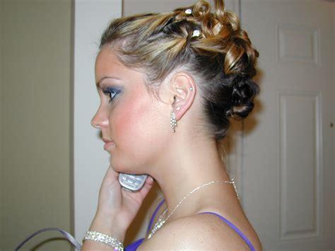 best cool hairstyles bridesmaid hairstyles half up