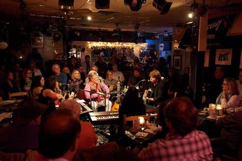 listening room cafe calendar nashville attraction the bluebird caf 233 the grove