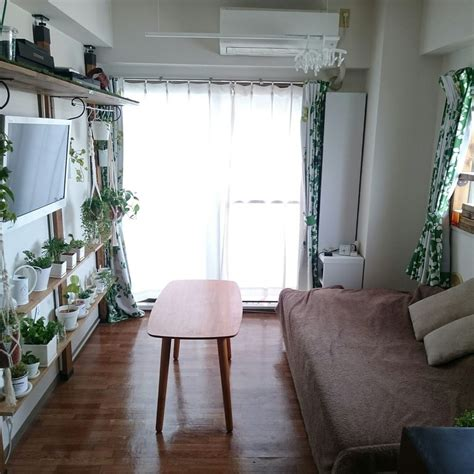 space decor 7 simple ideas for decorating a small japanese apartment