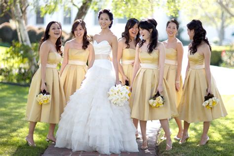 design dress untuk bridesmaid how to pick your bridesmaids glamasia glamasia